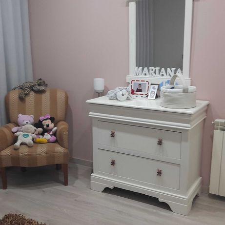 Mobília de quarto de bebé