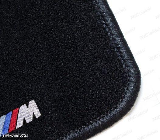 TAPETES VELUDO COM SÍMBOLO M / BMW SERIE 5 E34 / CONTORNO PRETO