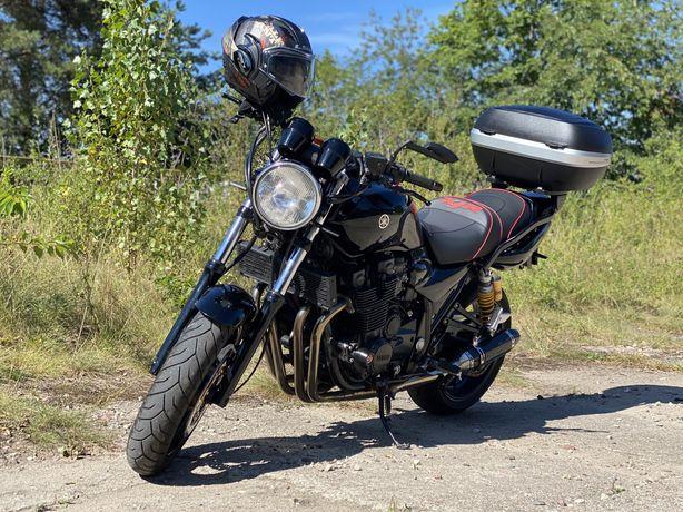 Yamaha XJR1300, piękna.