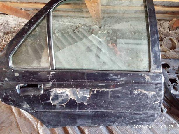 Двері Пежо 605 задні