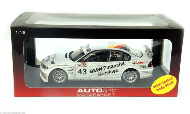 Miniatura AUTOart 1/18 BMW 320i E46 #43 WTCC 2005 'Genuine Parts'