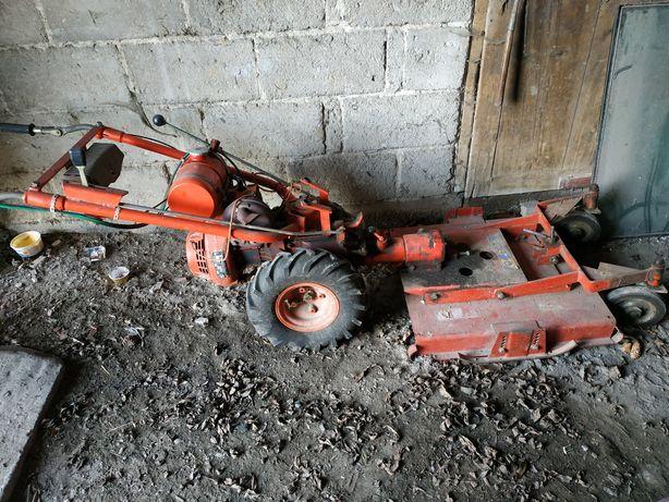 Traktorek , dzik MF 70