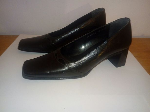 Buty Pantofle damskie czarne rozm. 35