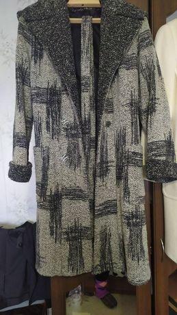 Пальто демисезон 200 грн