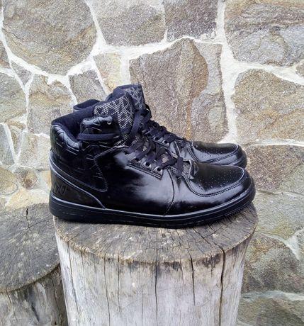 Теплые высокие кроссовки как Новые