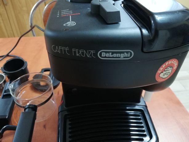 Sprzedam Expres cisnieniowy Caffe Firenze De Longhi exlusiv