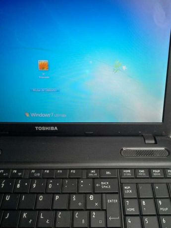 Portátil Toshiba i3