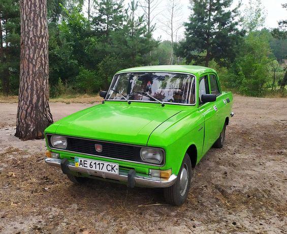 Салатовый Москвич 2140