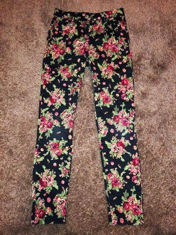 Spodnie w kwiaty mayoral r 128