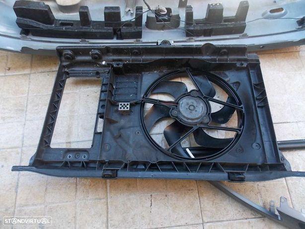 peugeot 206 cc 1.6hdi de 2005 moto-ventilador com suporte