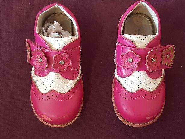 Туфли - кроссовки на девочку Шалунишка