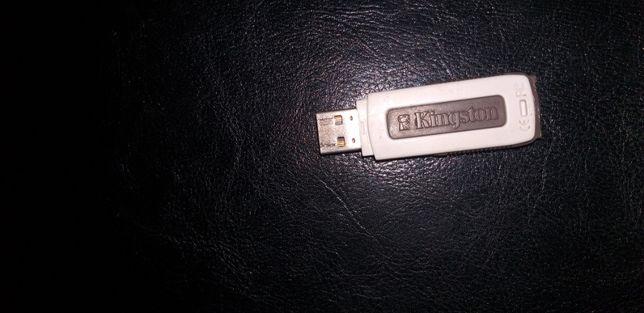 Флешка USB flash накопитель KiNGSTON. Флэшка