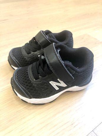 Кроссовки для малышей new balance