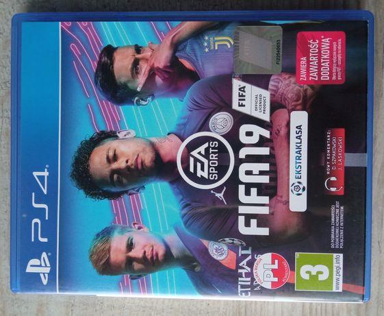Gra Fifa19 na PS4 jak nowa