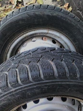 Авто шины с дисками.