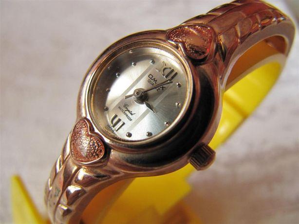Часы Omax , в коллекцию, новые, кварцевые, женские, жесткий браслет