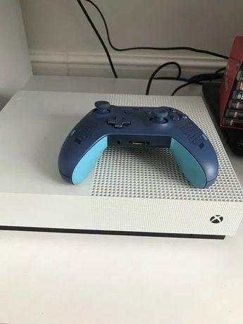 Xbox one S 1tb+pad