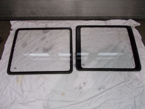 Szyba boczna dubel kabina P/L Doka VW T4 2.4 D