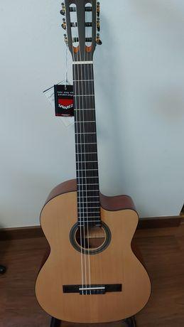 Guitarra Tanglewood TWC-E2