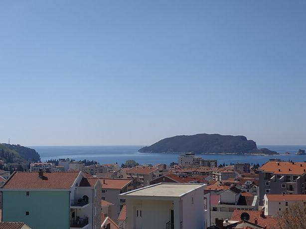 Черногория, Будва, продажа квартиры с отдельной спальней