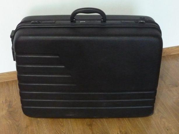 Duża walizka na kółkach DARIO