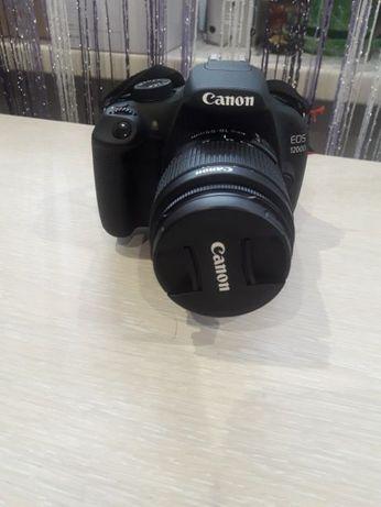 Продам Canon 1200D
