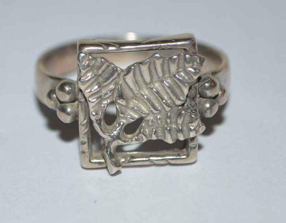 piękny srebrny pierścionek pr. 925 A;G