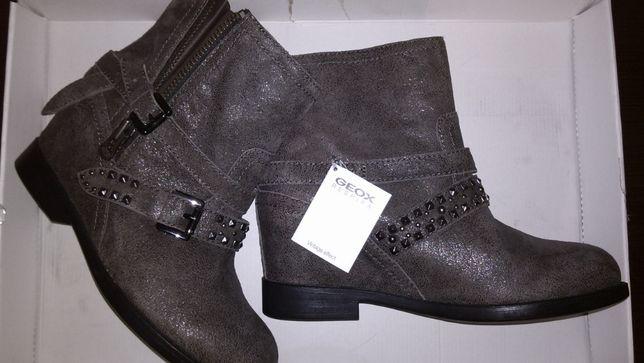 Женские демисезонные ботинки натуральная кожа с заклепками размер 39