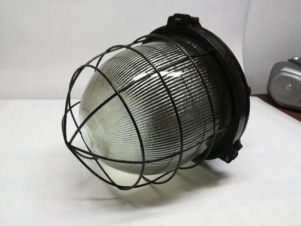 Lampa fabryczna żeliwna - PRL