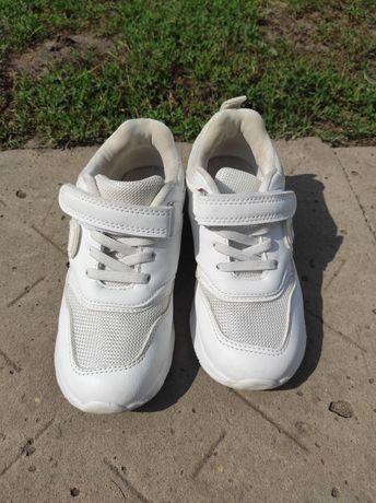 Кроссовки белые 29, 31 размер