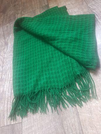 Женский зимний шарф цвет зёленый