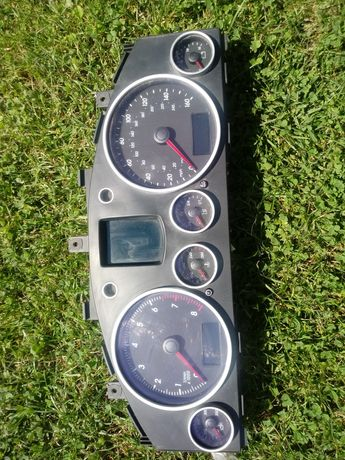 Licznik VW Touareg 4.2 benzyna 2006