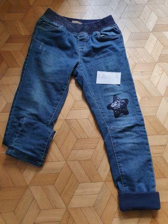 Spodnie ocieplane rozmiar 140cm