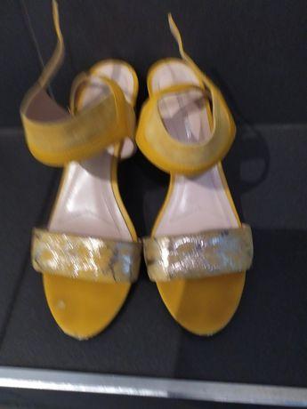 Solo femme sandały na słupku