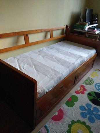 Cama com gavetão e colchão de molas + oferta de colcha e almofada