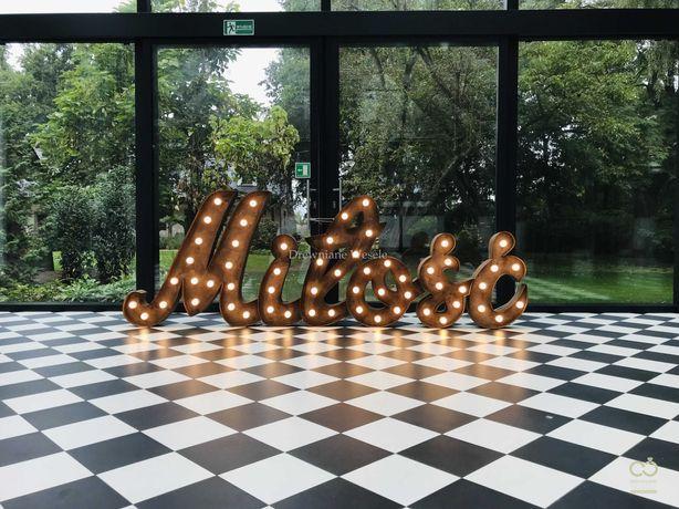 Rustykalny, drewniany pisany napis MIŁOŚĆ! Dekoracje na ślub, wesele