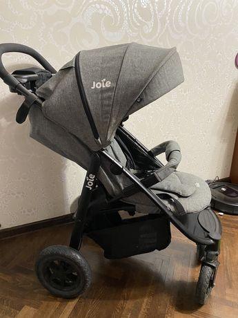 Продам детскую летную коляску Joie