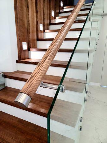Лестница деревянная на второй этаж для дома из дуба перила стекло