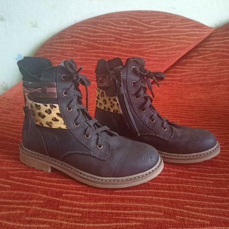 Осенние фирменные кожаные ботинки.