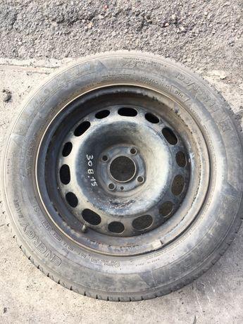 Диск R15 стальной  Пежо 308 с  шиной мишлен