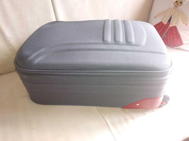 Walizka- podróżna- walizki- wymiana- zamiana- sprzedaż