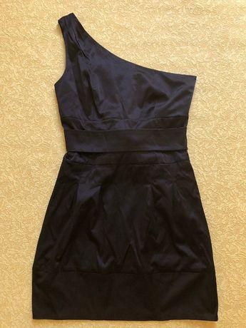 Черное платье сарафан на одно плечо NAF NAF размер 40