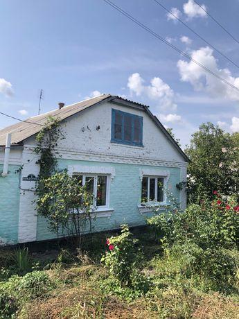 Продам цегляний будинок у селі Чернин