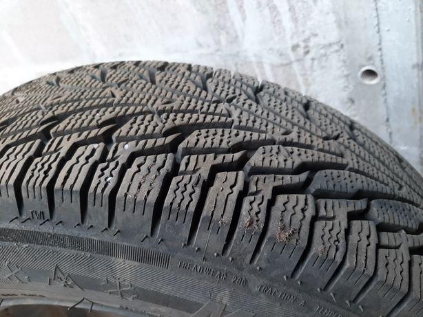 Продам зимню ризину 550 грн за колесо состояніє нова