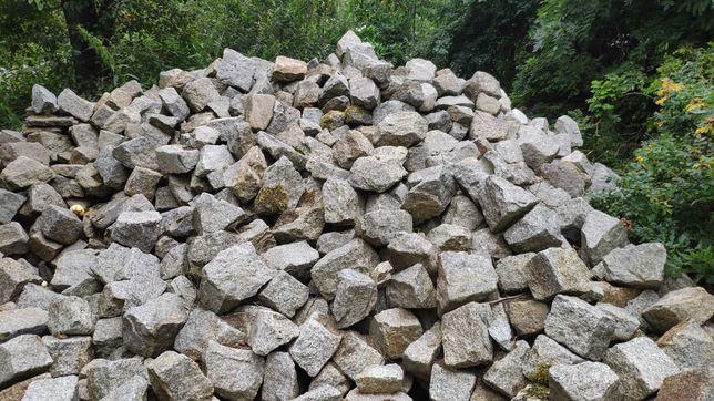 kamień granit z rozbiórki starej drogi