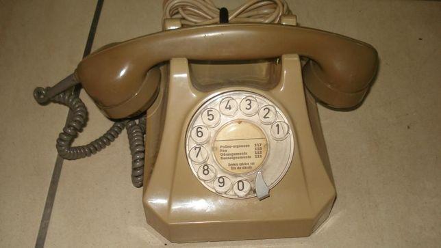 Telefone Suiço de baquelite beje