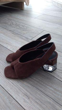 Nowe sandały Reserved 36 skóra