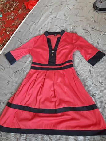 Алое платье 44 размер