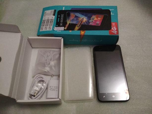 Смартфон на андроиде M HORSE F-3 экран 5 дюймов чехол наушники зарядка