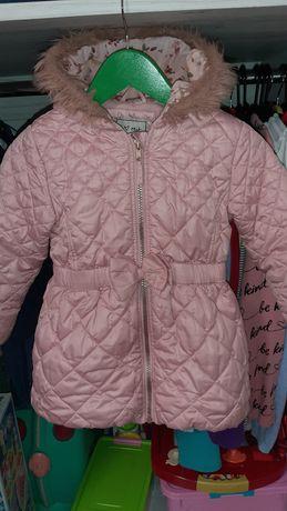 Продам куртку next 3-4 года.